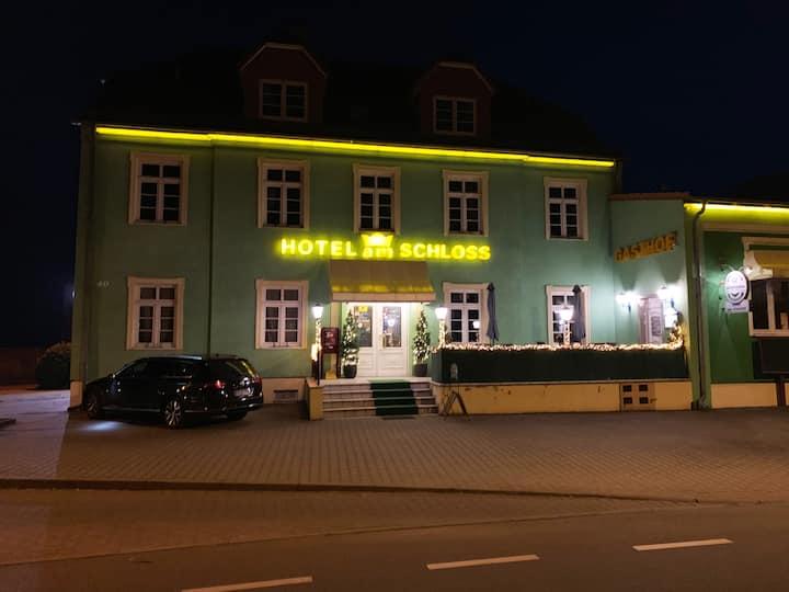 HOTEL-am-SCHLOSS