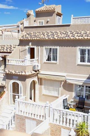 R31 - TOWN HOUSE URB MONTE Y MAR, GRAN ALACANT