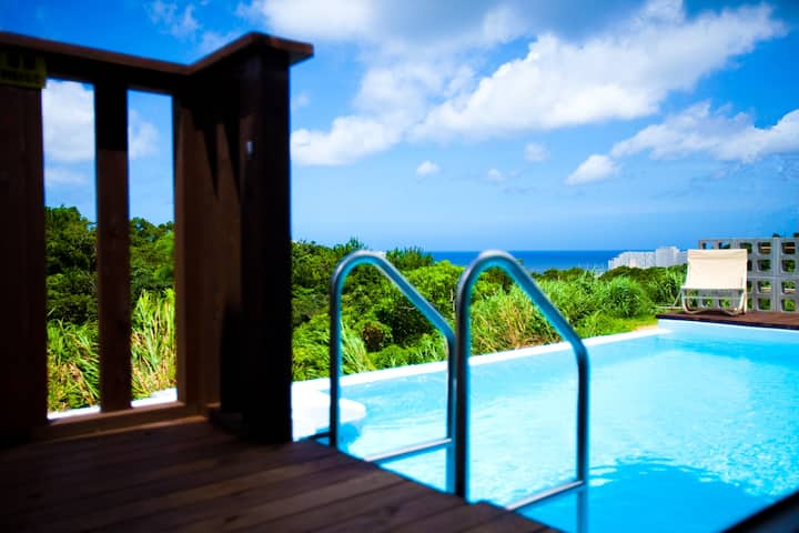 New beach house with pool in Onnason (Okinawa)