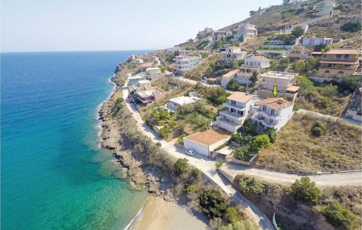 Beautiful home in Porto Ennea-Keratea with WiFi and 3 Bedrooms