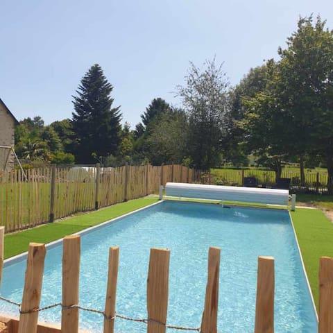 Gîte 4 à 6 personnes avec piscine et jacuzzi