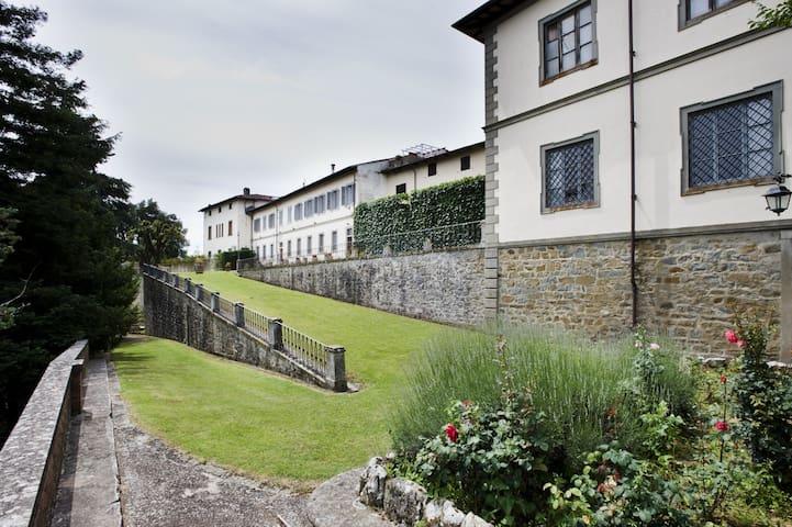 Ferdinando, Historical Residence w/ Botanical Park