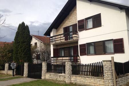 Kuća za odmor-Holliday Home Vukovar 91 - Vukovar