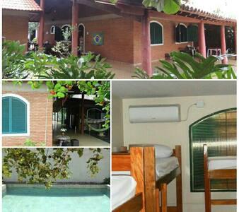 Hostel bem localizado - Goiânia