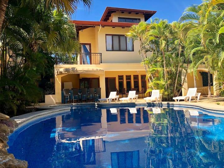 Villa Oasis Carrillo (5 min drive to Samara Beach)
