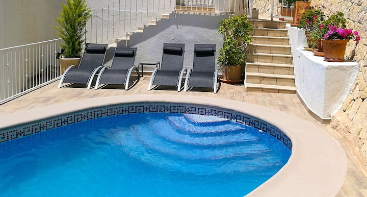 Apartment with 2 bedrooms in Benissa, with wonderful sea view, shared pool, enclosed garden - 5 km from the beach