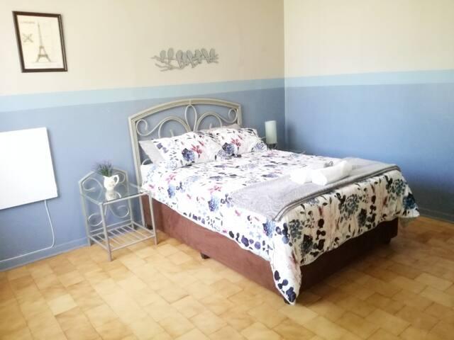 Casa Paris: Double Room