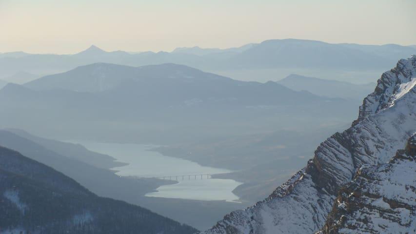 Vue sur le lac de Serre Poncon