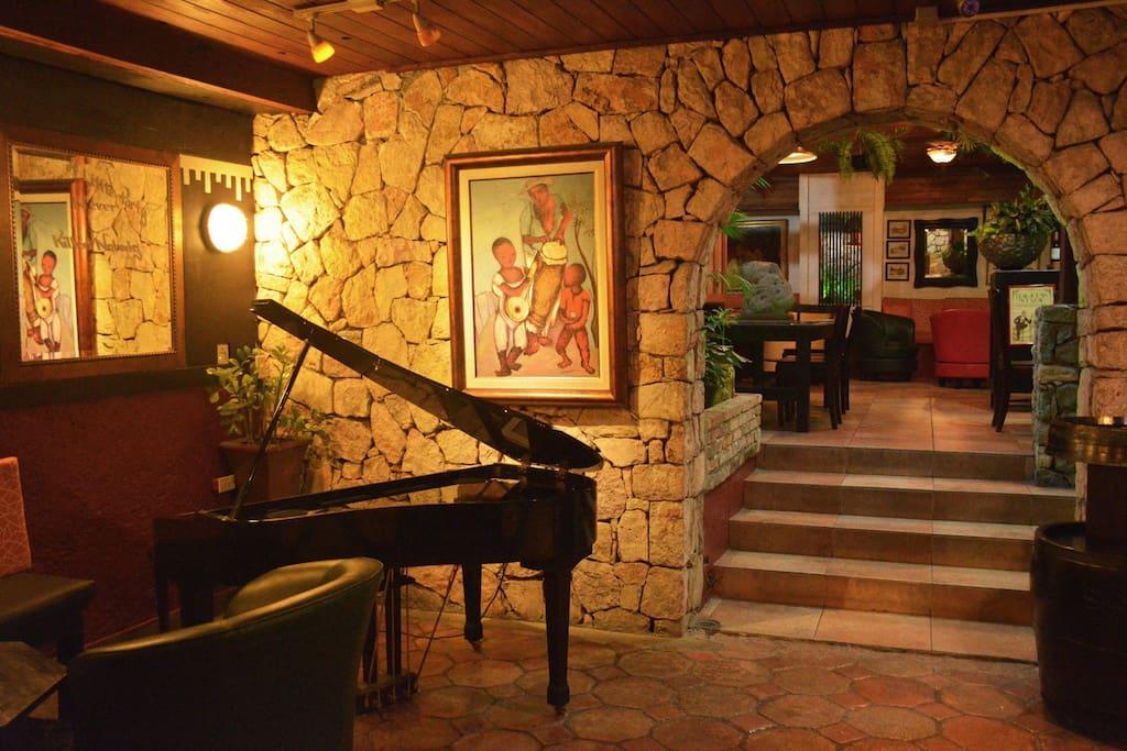 Cafe du commerce aka social club chambres d 39 h tes for Chambre de commerce d haiti