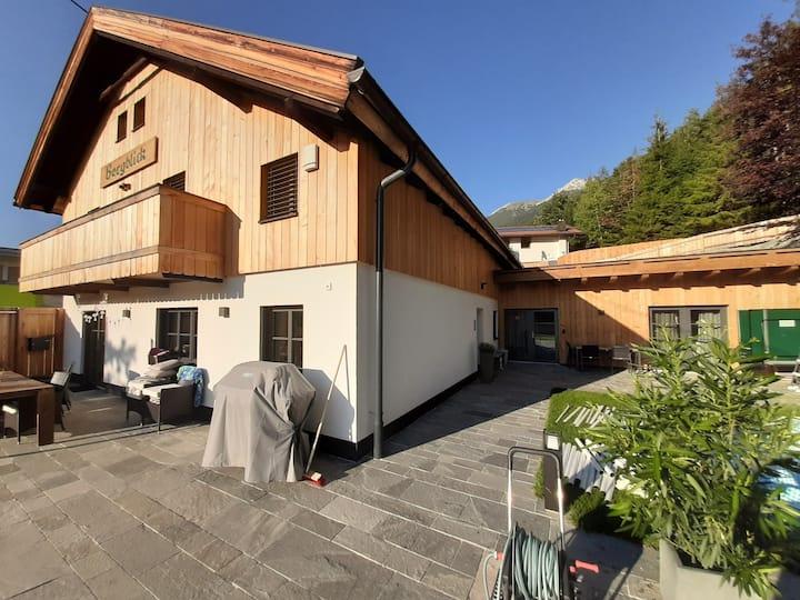 Uriges Apartment Bergblick