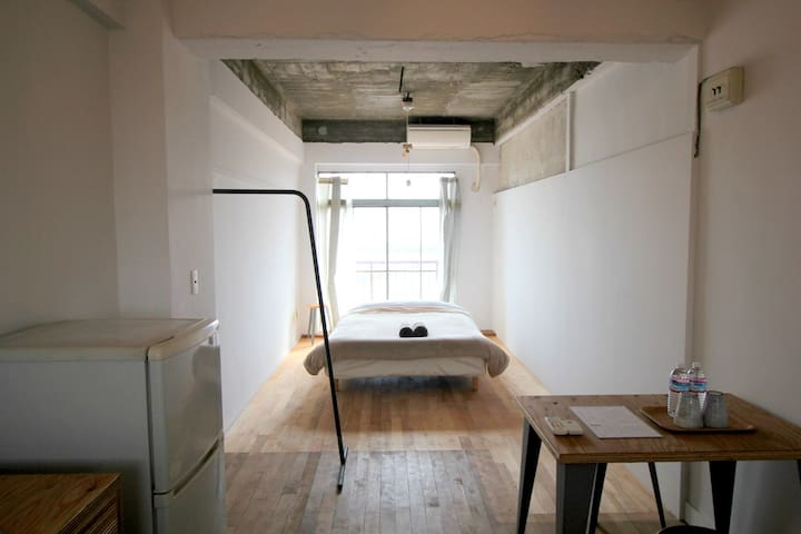 Good access to Naoshima (DBL) bed for 1-3 guest