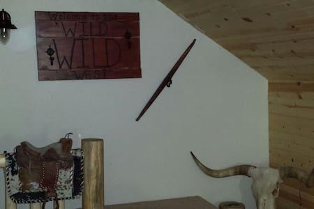 Wild,Wild West Experience - Keystone - Íbúð