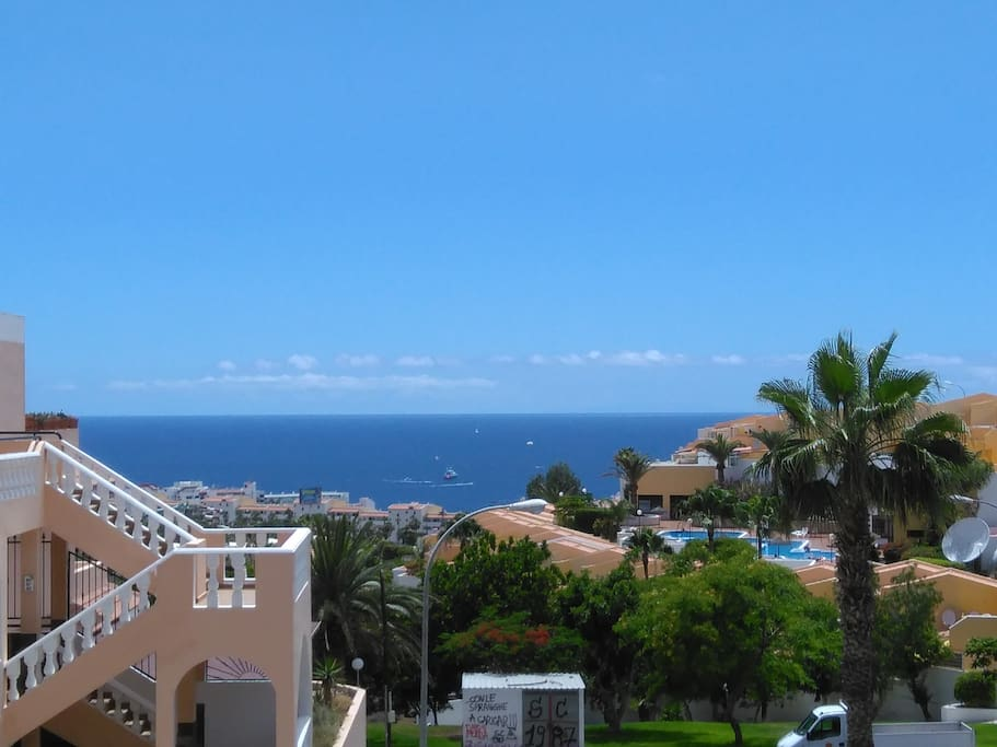 The spectaculary flat's view to the Atlantic & La Gomera Island...