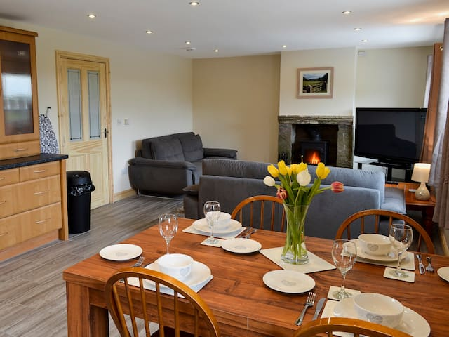 Booth Farm Cottage (UK4075)