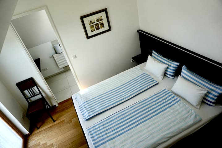 New. Guestsuite near MUC,BAUMA,ThermeErding,Munic