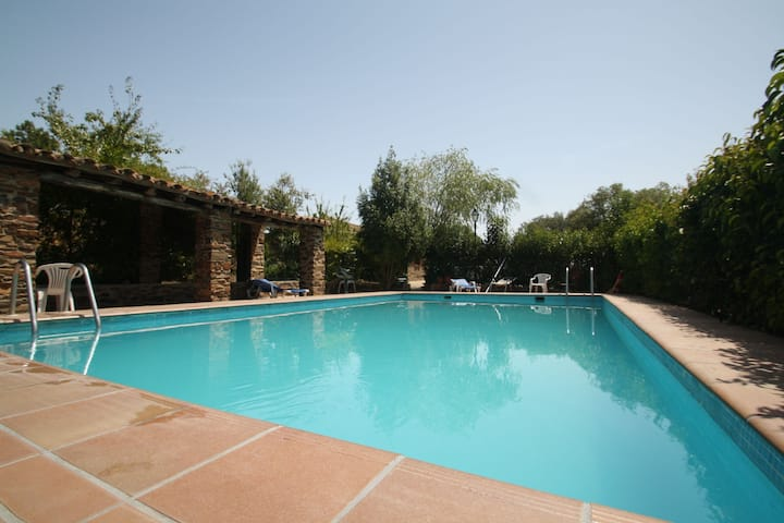 Rural Farmhouse in Valencia de Alcántara with Pool