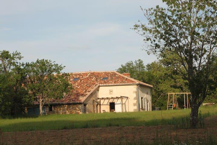 Les Sauterelles Farmhouse/Gite