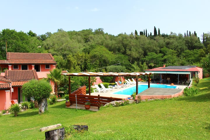 DESPINAS APARTMENTS (2-4 persons) - Corfu