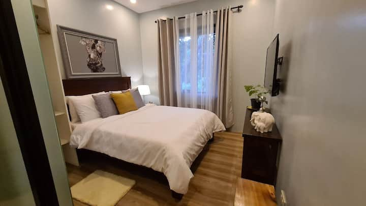 The Great Molave DELUXE ROOM