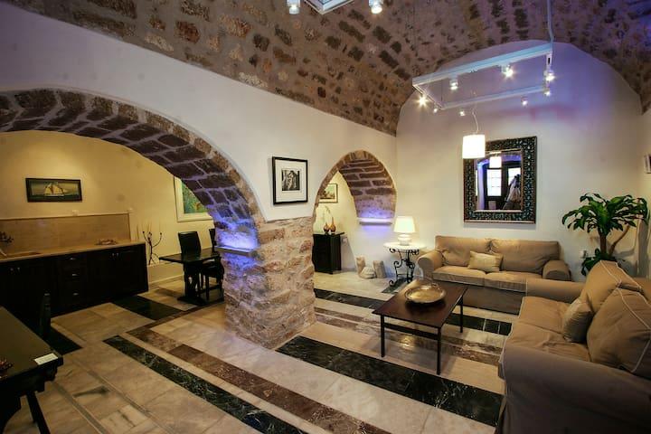 New listing! Romantic medieval castle by the sea - Monemvasia - บ้าน