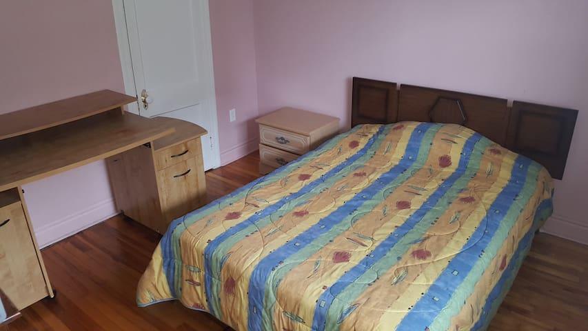 Sleep Easy inn easy out!!