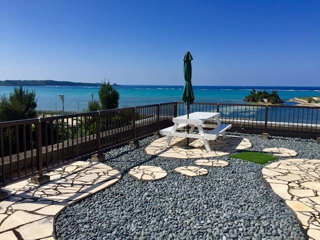 Okinawa Seaside Penthouse 恩納村ペントハウス