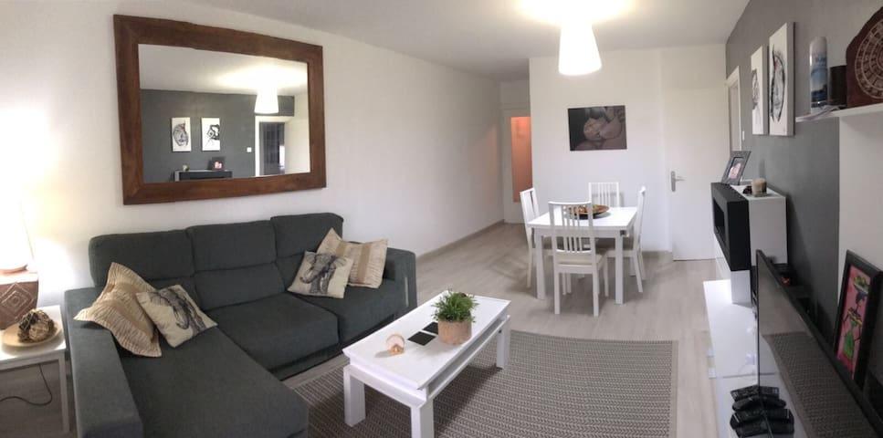Alquilo habitación individual, piso  con vistas