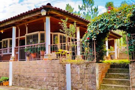Casa de Campo Las Marias Perquin