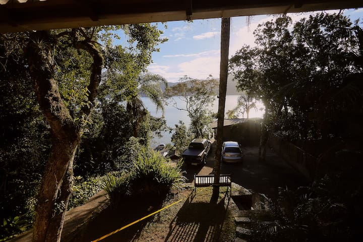 Bangalô vista Lagoa e Montanhas
