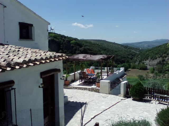 The Corner House - Cosy Cottage in Andalucia - Trujillos - Huis