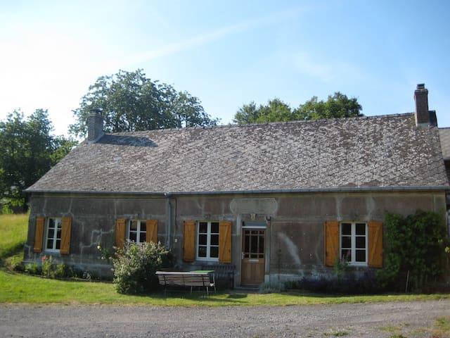 Vrijstaand, sfeervol familie huis - Coingt - House
