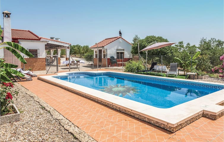 Holiday cottage with 3 bedrooms on 73 m² in La Pbl de los Infantes