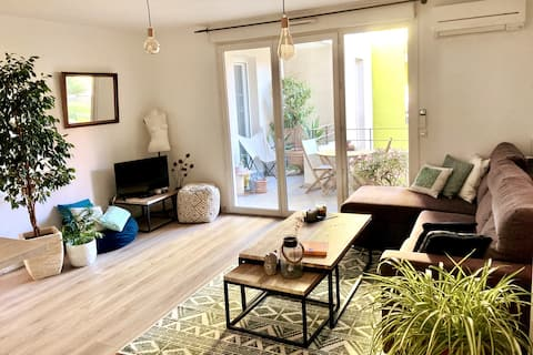 A nice apartment with outdoor seating in Montpellier