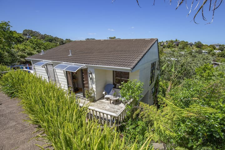 Bush views and bird song - the heart of Waiheke