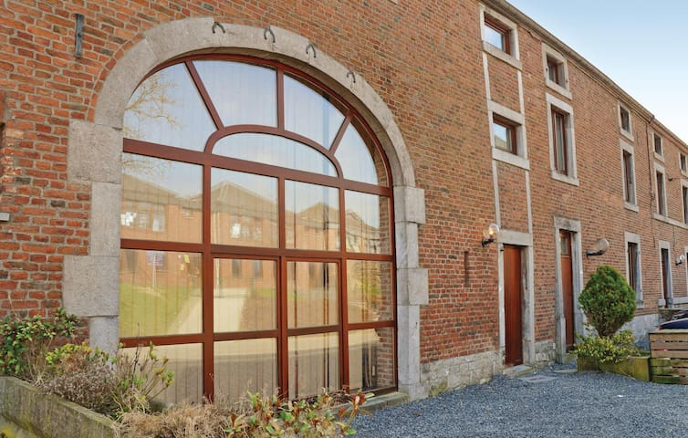 Terraced house with 4 bedrooms on 150m² in Somme-Leuze