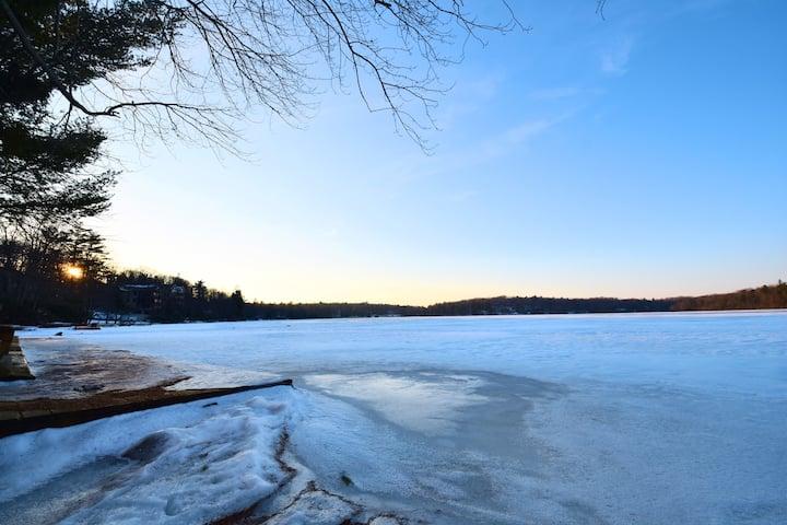 Pocono SKI Cabin 🏔 minutes to SLOPES, walk 2 lake