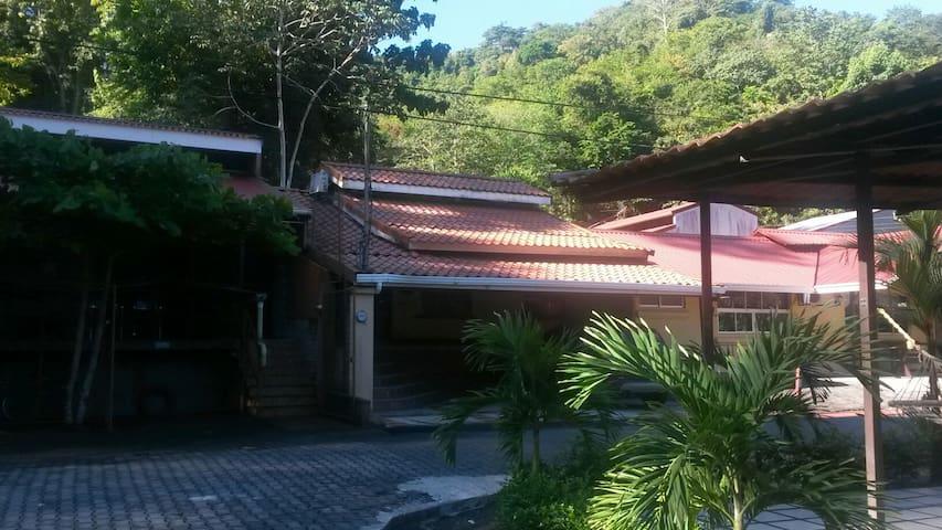Villa Chavela/naturaleza/descanzo - Punta Leona