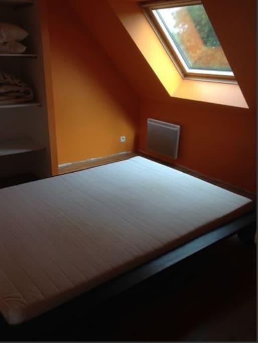 2ème chambre lit double