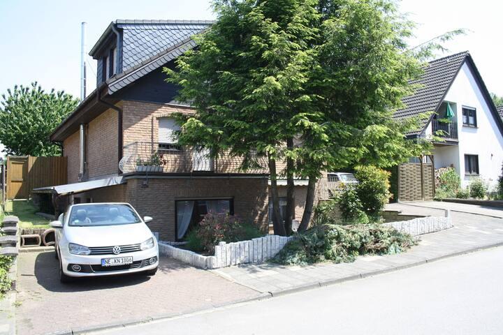 Ruhige möblierte Ferienwohnung - Rommerskirchen - Schoonfamilie
