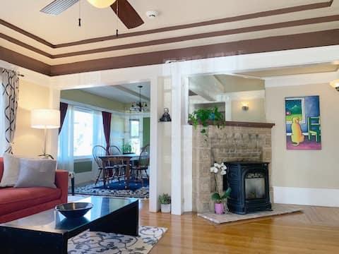 Charming Craftsman home by Lake Merritt