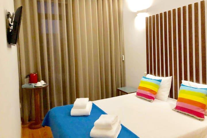 Porto Faria House 1: Cozy Suite > AC, Subway