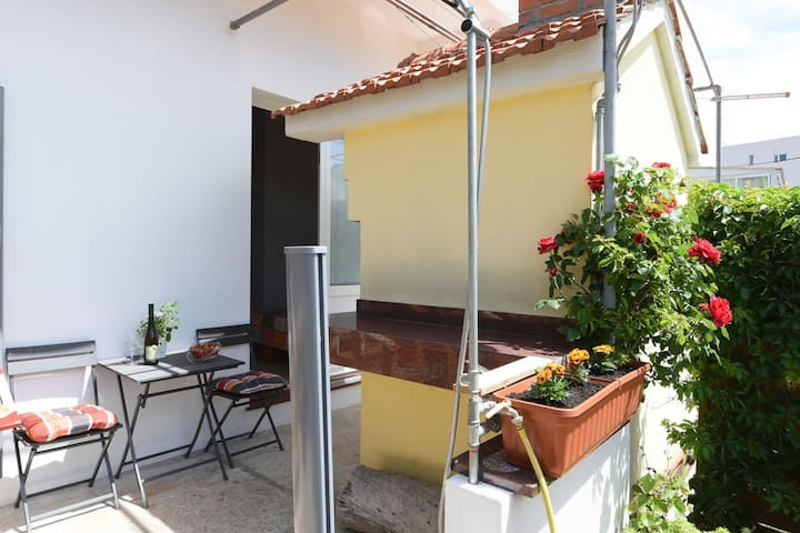 Deluxe Studio Apartmani with barbecue