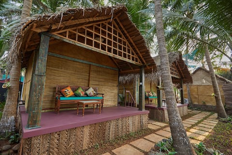 Dhanya: Garden view Beach Cottage at Patnem