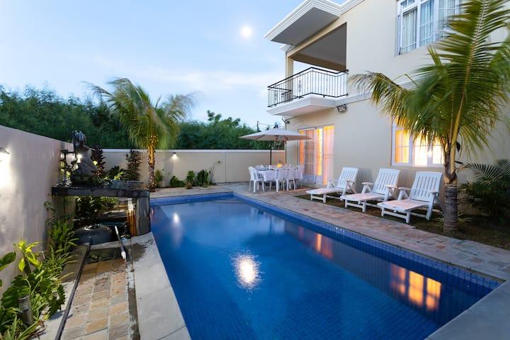 Luxury Family Villa, Calodyne Sur Mer