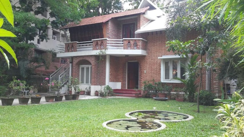 Tagore Garden Holiday Villa 5 Bedrooms Trivandrum