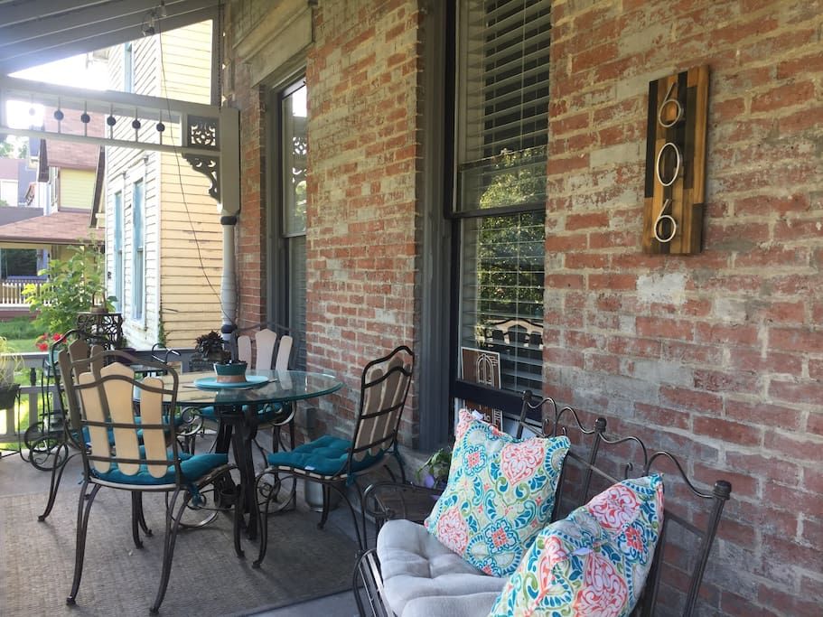Front Porch  -  Outdoor Dining