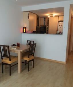 Habitación doble/ Double room - Girona