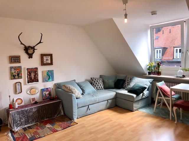 Cosy artist's attick flat in Schwabing