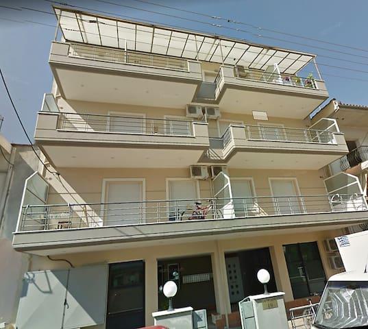 Διαμέρισμα 47 τ.μ  διχωρο με κλιματισμό νεότευκτο