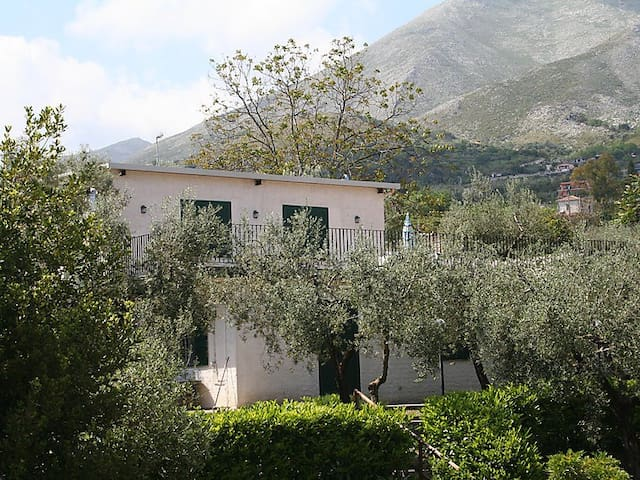 Great agricultural family resort - Formia - House